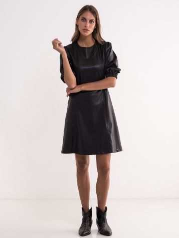 Crna haljina od veštačke kože