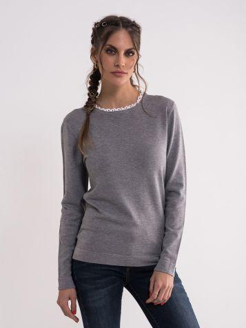 Ženski džemper u sivoj boji