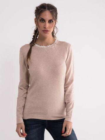 Ženski džemper u bež boji