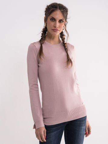 Ženski džemper u puder boji