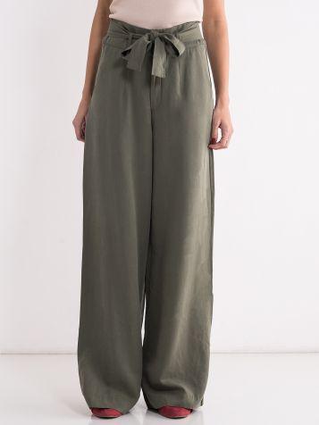 Zelene pantalone sa pojasom