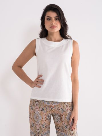 Jednostavna bijela bluza