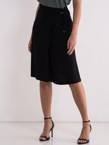 Ležerna crna suknja