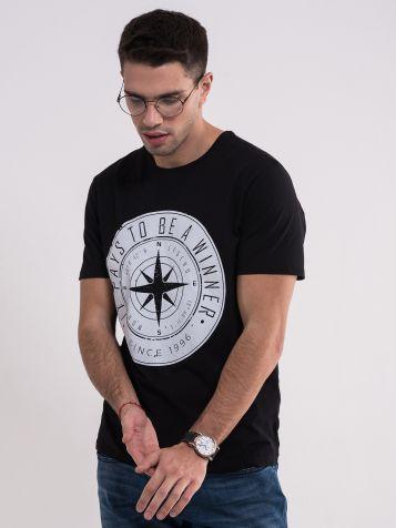 Crna majica sa bijelim printom